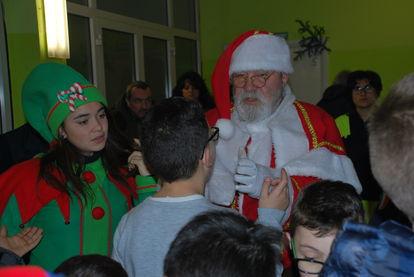 Oriolo, arriva Babbo Natale per consegnare i regali ai bambini