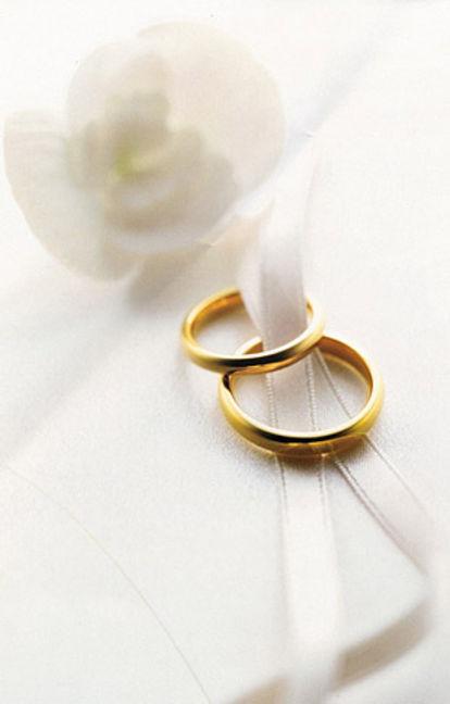 Auguri Matrimonio Non Banali : Oro e argento grande festa per una vita piena d amore