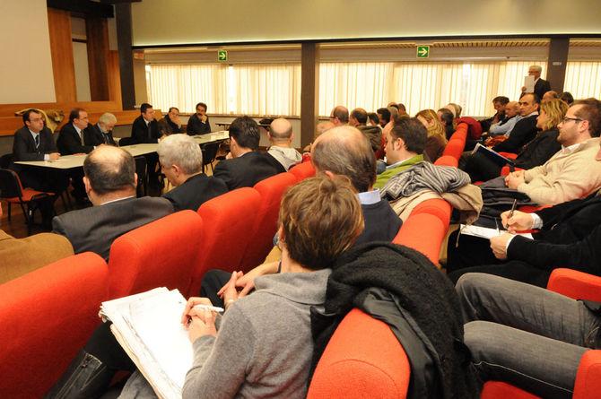 Crisi sadam nuovo vertice con l 39 assessore petrini for Gardini arredamenti